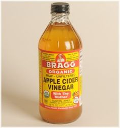 Apple cider vinegar has both anti-bacterial and anti-fungal properties. This type of vinegar helps to kill bacteria, such as e.coli, and funi, such as candida.