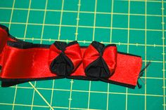 How to make this ribbon trim for your dirndl. Also known ...