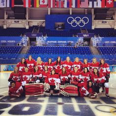 Canada's women's hockey team won gold at the Olympics again time straight Olympic Hockey, Women's Hockey, Hockey Girls, Hockey Players, Olympic Games, Hockey Rules, Canadian Things, I Am Canadian, Canadian History