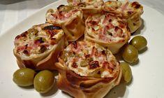 01-14 Pizza Sandwich, Mini Sandwiches, Empanadas, Finger Foods, Tapas, Catering, Cabbage, Bakery, Brunch