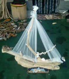 Καραβι με θαλασσοξυλα. Sailing Ships, Boat, Dinghy, Boats, Tall Ships, Ship