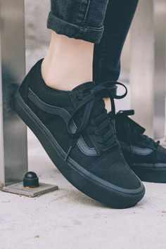 Women& sneakers with which you can rock the outfit . - Women& sneakers with which you can rock the outfit … – Shoes – - Tenis Vans, Vans Sneakers, Sneakers Fashion, Fashion Shoes, Ladies Sneakers, Black Shoes Sneakers, Gucci Sneakers, Basketball Sneakers, Fashion Top