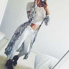Find images and videos about girl, fashion and style on We Heart It - the app to get lost in what you love. White Outfits, Fall Outfits, Amanda Khamkaew, Combat Boot Outfits, Combat Boots, Swagg, Instagram Fashion, White Jeans, Kimono Top