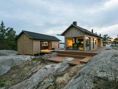 Aleksi Hautamäki and Milla Selkimäki purchased a island in the Finnish Archipelago and created the self-sustaining summer Project Ö cabin. Timber Cladding, Exterior Cladding, Cabana, Scandinavian Cabin, Timber Cabin, Summer Cabins, Off Grid Cabin, Tiny Cabins, Wooden Decks