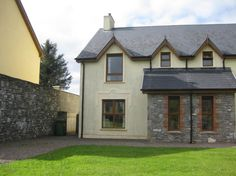 View our wide range of Houses for Sale in Kenmare, Kerry.ie for Houses available to Buy in Kenmare, Kerry and Find your Ideal Home. Terrace, Mansions, House Styles, Ideas, Home Decor, Balcony, Decoration Home, Patio, Manor Houses