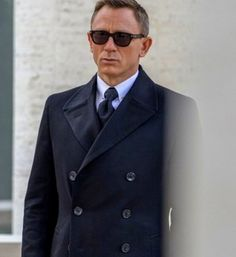 Daniel Craig for Manners Magazine manners.nl