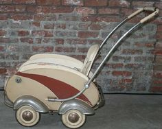 Baby buggy from 40s 50s ??  Glb. Cool