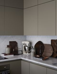 Kristofer Johnsson, Photographer, represented by LINKDECO. Kitchen Staging, Kitchen Interior, Kitchen Design, Kitchen Dinning, New Kitchen, Dining Area, Makeover Before And After, H&m Home, Elle Decor