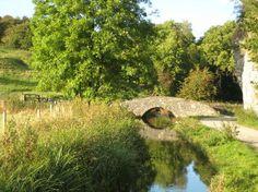 Peak District, UK: old packhorse bridge Bradford Dale Youlgreave