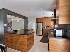 J'ai vendu sans commission avec l'aide de l'équipe DuProprio! Loft Kitchen, Kitchen Floor Plans, Wooden Kitchen, Kitchen Living, Kitchen Flooring, Kitchen Interior, Raised Ranch Kitchen, Kitchen Models, Home Staging
