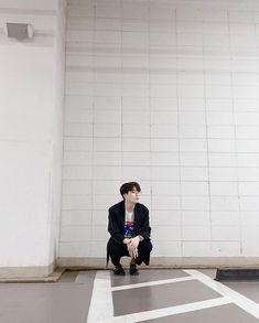 Jinyoung, Got7 Instagram, Got7 Youngjae, Kpop, Sunshine, Twitter Update, Otter, Photo Poses, Conversation