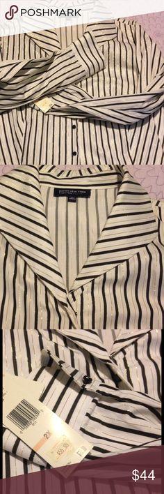 ⚡️price markdown⚡️jones ny shirt Jones New York stripe long sleeve blouse, only selling due to weight loss Jones New York Tops Button Down Shirts