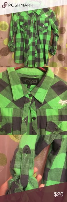 Biking green button up fox racing shirt Black and green fox racing shirt size small  like new,  In great condition basically NEW  No buttons or stains missing Reason selling I sadly gained weight a little lol  Will ship the next day Very reasonable, Don't LIKE my price shoot me a offer:) feel free to bundle Fox Tops Button Down Shirts