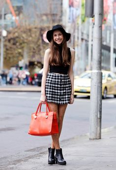 Forever Poppin' Crops - Don't tell winter, but we'll never give up our mid-drift baring crops. Never. Ever. The key is to keep the rest of you warm! Keep your tummies cozy by high-waisting it with a thickly lined skirt, and top the look off with super fine fedora. Nice one. #plaid #fedora #croptop Street Snap, Style Snaps, Scandinavian Style, Fashion Forward, Knitwear, Latest Trends, Womens Fashion, Fashion Trends, Mini Skirts