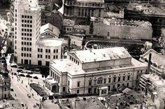 Bucuresti, Calea Victoriei, 1935 Bucharest Romania, Paris, Timeline Photos, Time Travel, Old Town, Vintage Photos, Times Square, Louvre, Country