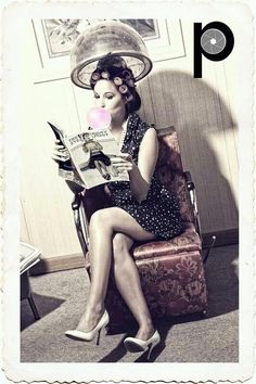 Pin up photography. Vintage yet modern. Hair salon love it Hair Salon Interior, Salon Interior Design, Salon Design, Hair Salon Pictures, Vintage Hair Salons, Rockabilly Style, Salon Art, Beauty Shop, Vintage Hairstyles