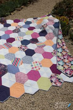 I'm so excited to introduce my latest full-sized quilt pattern, Delight!         Quilt Details    Fabric is Oh Happy Day! by Dear Stella  ...