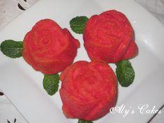 BIZCOCHOS DE ROSAS http://alyscakes.blogspot.com.es/2015/02/cake-corazon-de-limon.html