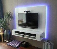 DIY plan for TV cabinet, floating, with backlight, handmade by Ron. https://neo-eko-diy-furnitureplans.com/project/floating-tv-cabinet-penelope-built-by-ron  |   Bouwtekeningen tv-meubel op basis van Neo Eko ontwerp, gemaakt door Rob. Zwevend tv-meubel.