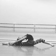 Work #ballet #vba #vaganova #vaganovaballet #vaganovaphoto #vaganovastudents #loveballet #balletlove #lifeballet #balletlife#balletclass #balletgirl #work #working #balletinsta #balletbeauty #ballerina __________________ Занимаюсь #балет #балеринка #арб #академиярусскогобалета #ваганова #вагановка #балетспб #балетныйкласс #занимаюсь #разминка #балетнаяжизнь #люблюбалет