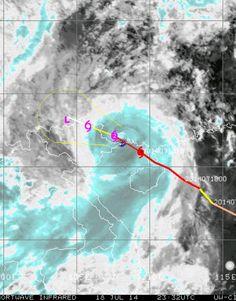 El potente y destructivo Tifón #Rammasun azotando al Sur de China con vientos de 230 kmh