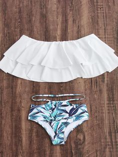 To find out about the Flounce Layered Neckline Jungle Print Bikini Set at SHEIN, part of our latest Bikini Sets ready to shop online today! Bathing Suits For Teens, Summer Bathing Suits, Cute Bathing Suits, Bikini Sets, The Bikini, Ruffled Bikini Top, Flounce Bikini, Bikini Ready, Bikini Swimwear