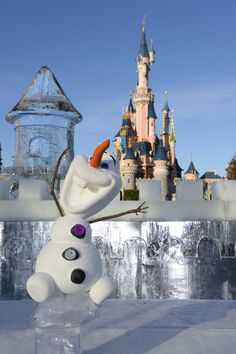Olaf the snowman in front of the Sleeping Beauty Castle in Disneyland Paris #DLP