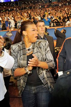 Queen Latifah is gorgeous and i love alot of her fashion choices