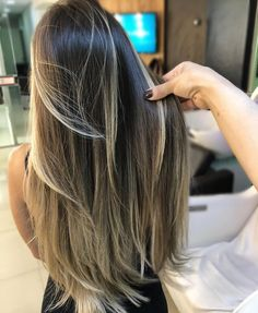 Ombre hair: the most beautiful color gradients and if we dared ombre hair? Cabelo Ombre Hair, Balayage Hair, Best Ombre Hair, Ombre Hair Color, Box Braids Hairstyles, Brown Blonde Hair, Long Hair Cuts, Pink Hair, Hair Looks