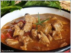 Katerina&Kuchnia: GULASZ WIEPRZOWY PO WĘGIERSKU Polish Recipes, Thai Red Curry, Food And Drink, Tasty, Meat, Chicken, Cooking, Healthy, Ethnic Recipes