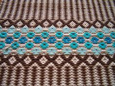 Rug close up Weaving Art, Hand Weaving, Rag Rugs, Recycled Fabric, Woven Rug, Rug Making, Textile Design, Loom, Carpet