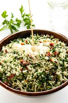 Revitalizing and Raw Cauliflower-Tomato Detox Salad by blissfulbasil Raw Vegan Recipes, Vegetarian Recipes, Healthy Recipes, Healthy Salads, Healthy Eating, Avocado Salads, Healthy Lunches, Whole Food Recipes, Cooking Recipes