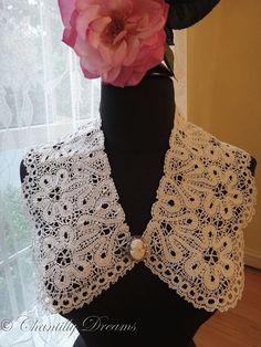 Beautiful Vintage Milanese Lace Collar