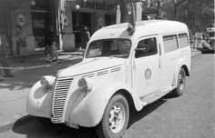 Fiat 1100 ambulance in Budapest 1952 Budapest, Ambulance, Old Trucks, Historical Photos, Motor Car, History, Retro, Vehicles, Taxi