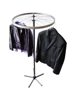 Recycling bike wheels: a cloth stand