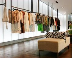 Mititique Boutique: Interior Design Ideas For A Luxury Boutique And Very Attractive Consumer