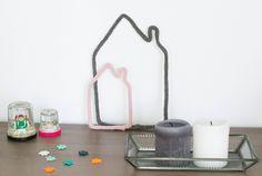 Silhouettes de maison tricotin