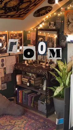 Grunge Bedroom, Indie Bedroom, Indie Room Decor, Aesthetic Room Decor, Punk Bedroom, Room Design Bedroom, Room Ideas Bedroom, Bedroom Decor, Bedroom Inspo