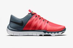 Th New Nike Free Trainer 5.0 V6 in Daring Red / Blue Graphite
