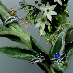 Each of these engagement rings resemble a mini tiara - discover @chaumet Joséphine Eclat Floral engagement rings. #Chaumet #engagementring #diamonds #sapphire #ruby #yellowdiamond #bridal #luxury #jewelry #tiara