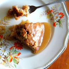 Feijoa and Ginger cake with brown sugar syrup - yum! - Feijoa and Ginger cake with brown sugar syrup – yum! Fejoa Recipes, Fruit Recipes, Sweet Recipes, Dessert Recipes, Cooking Recipes, Desserts, Recipies, Yummy Treats, Sweet Treats