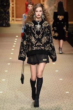 Dolce & Gabbana Fall 2018 Ready-to-Wear Fashion Show Collection