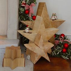 Christmas star made ​​of wood -- with the poinsettias made ​​of solid wood can be arranged pretty eye-catcher at Christmas time.