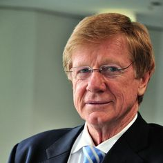 """Veteran current affairs journalist Kerry O'Brien has criticised the state of Australian politics and the media, saying interviewing has become too much of a """"gladiatorial"""" sport."""