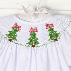 Christmas Tree Smocked Bishop White - New Smocked Auctions ...