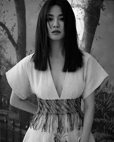 Song Hye Kyo Style, Most Beautiful Women, Beautiful People, Decendants Of The Sun, Autumn In My Heart, Song Joon Ki, Songsong Couple, Vogue Korea, Joong Ki