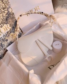 Luxury Purses, Luxury Bags, Dior Handbags, Purses And Handbags, Fake Designer Bags, Designer Purses, Designer Handbags, Designer Belts, Cristian Dior