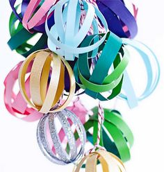 Pretty paper party balls- use as garland or cluster together for a chandelier-like effect. Diy Paper, Paper Crafts, Diy Crafts, Christmas Holidays, Christmas Crafts, Christmas Ornaments, Diy Party Decorations, Christmas Decorations, Paper Balls