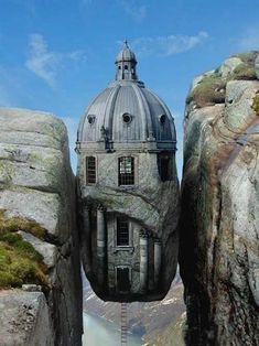 Unusual and Amazing Houses by Stunningmesh - Don't think I'd want to live here!