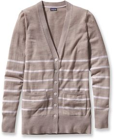 The women's Patagonia Lightweight Merino cardigan offers a classic, button-front look and a long lean silhouette that's great for layering.